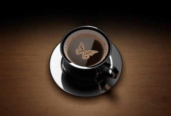 قهوه ات را بنوش و باور کن من به فنجان تو نمی گنجم